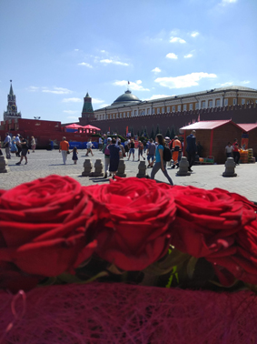 How to send flowers to Moscow?